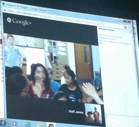 Video- Conferência com alunos no Canadá